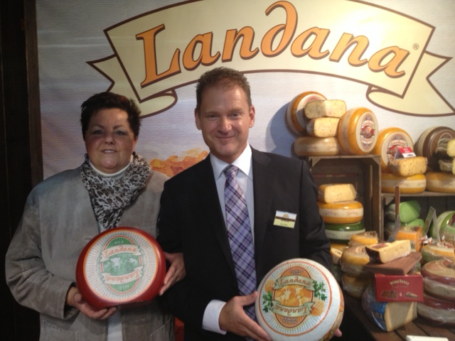 Winnares Gouden Kaasmes bezoek Landana Kaas op InterMopro beurs